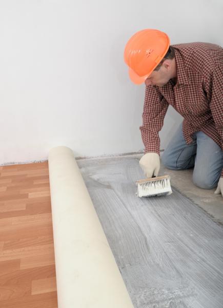Jak p ipravit podlahu na pokl dku podlahov krytiny - Piso de vinil en rollo ...